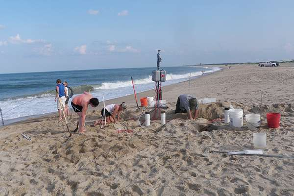 Researchers study reactions that occur when groundwater, saltwater meet in coastal aquifers