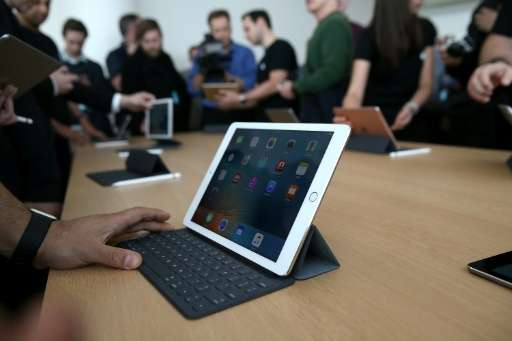 Apple remained the top tablet maker in the second quarter, shipping 10 million iPads to command 25.8 percent of the market, IDC
