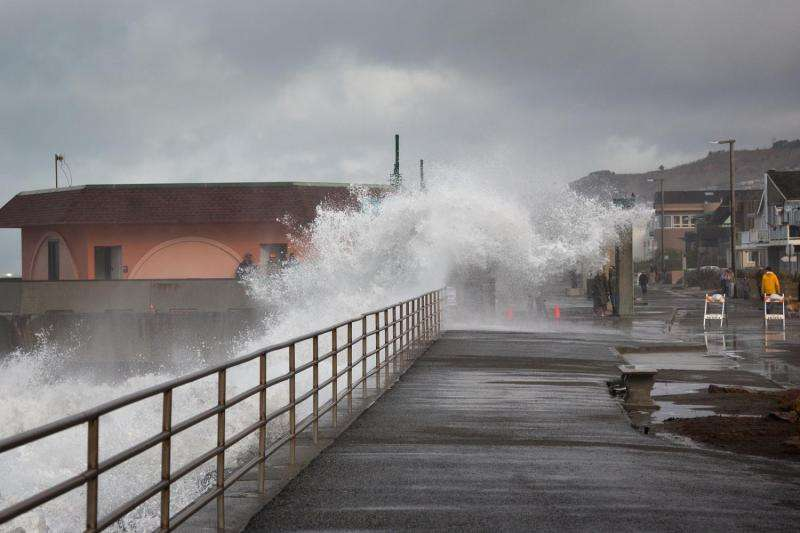 Dueling climate cycles may increase sea level swings