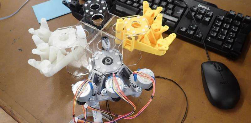Early days of internet offer lessons for boosting 3D printing