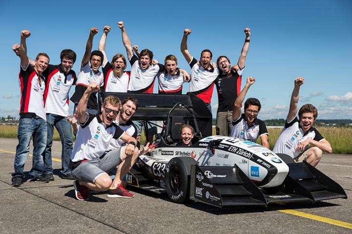 Electric racing car breaks world record