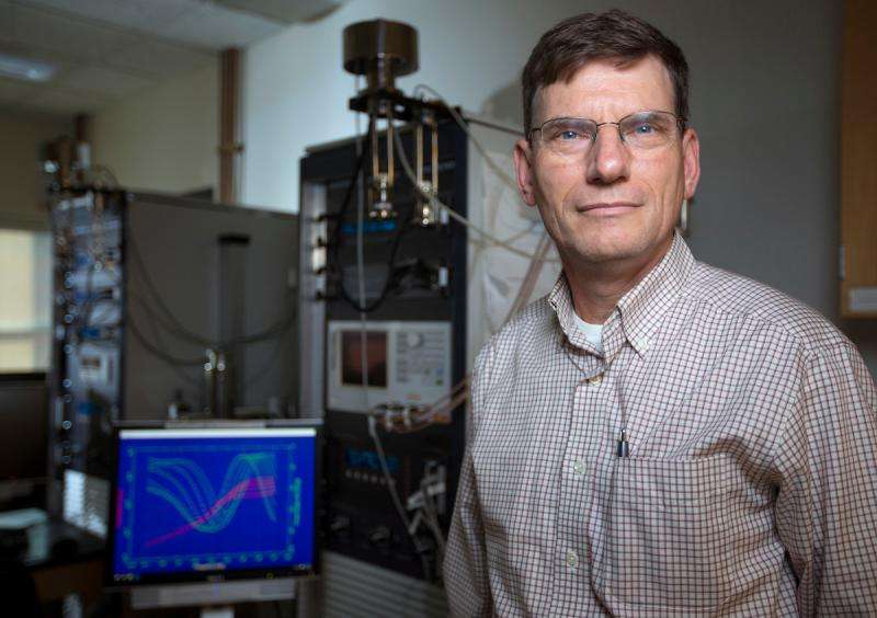 Engineers study glass in batteries as a way to increase performance and safety