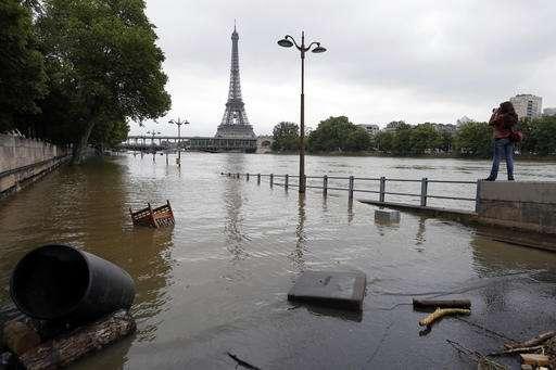Experts find climate change's fingerprints in French floods