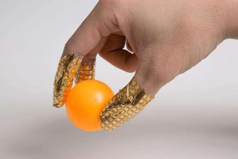 Flexible and transparent pressure sensor