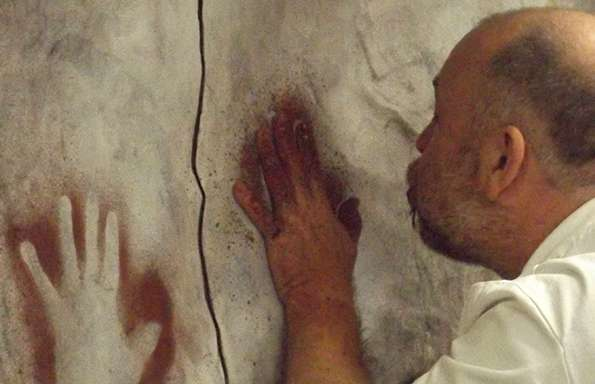Forensic technique reveals sex of prehistoric hand stencil artists