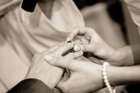 'Gimmick' date weddings more likely to end in divorce, according to study