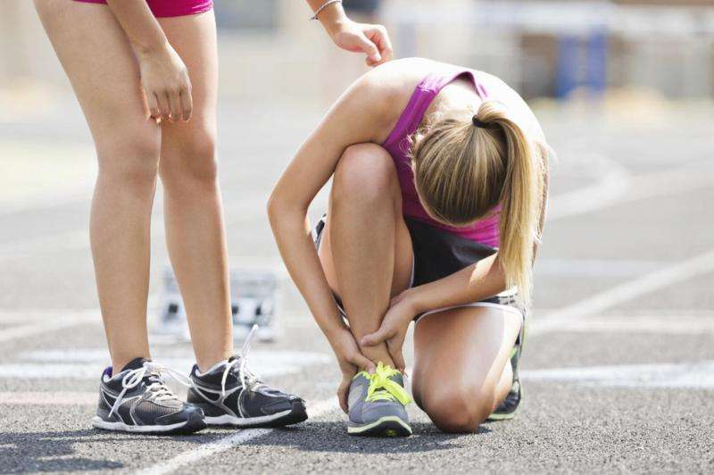 Highly specialized high school athletes more likely to have certain injuries, study says