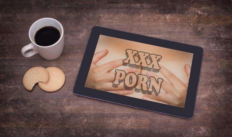How internet porn affects romantic life