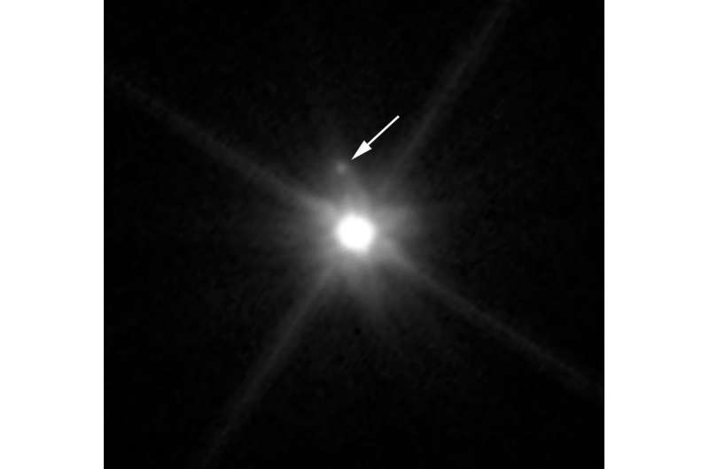 Hubble discovers moon orbiting the dwarf planet Makemake