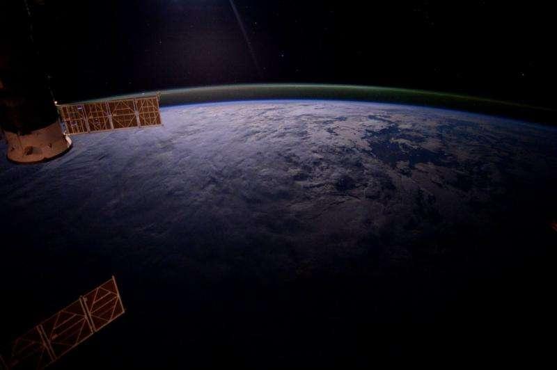 Image: Voyage around Earth