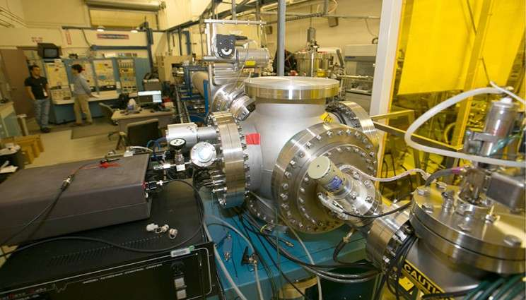Lab team uses pulsed ion beams to probe radiation defect dynamics in nuclear materials