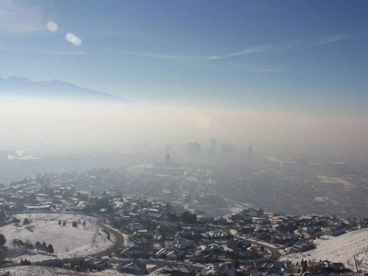 Layer of Air Pollution Blankets Salt Lake City during a Winter Inversion