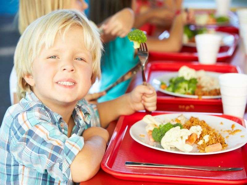 More healthy foods offered in school lunches, study finds