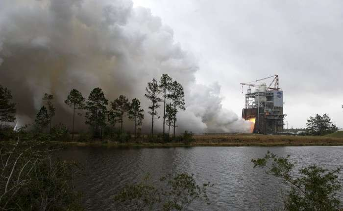 NASA test fires SLS flight engine destined to launch astronauts back to the moon