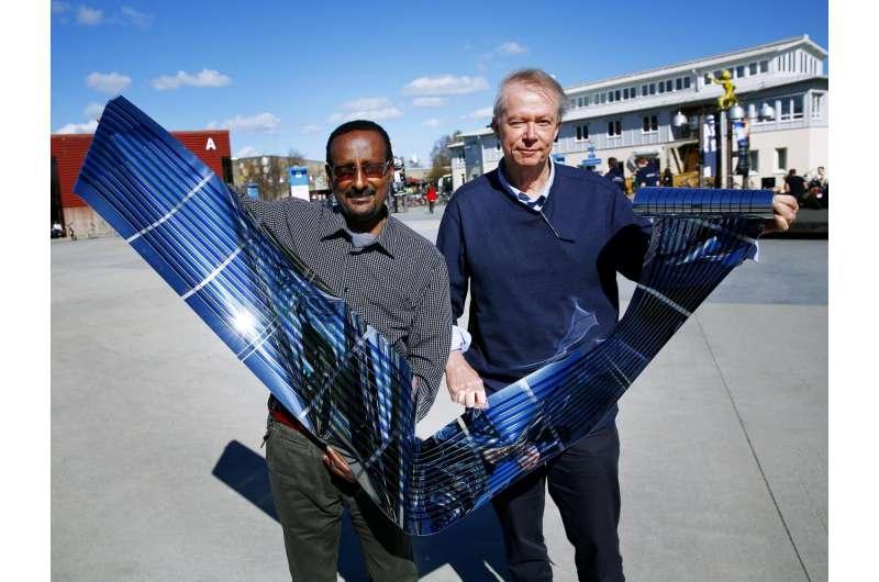 New world record for fullerene-free polymer solar cells