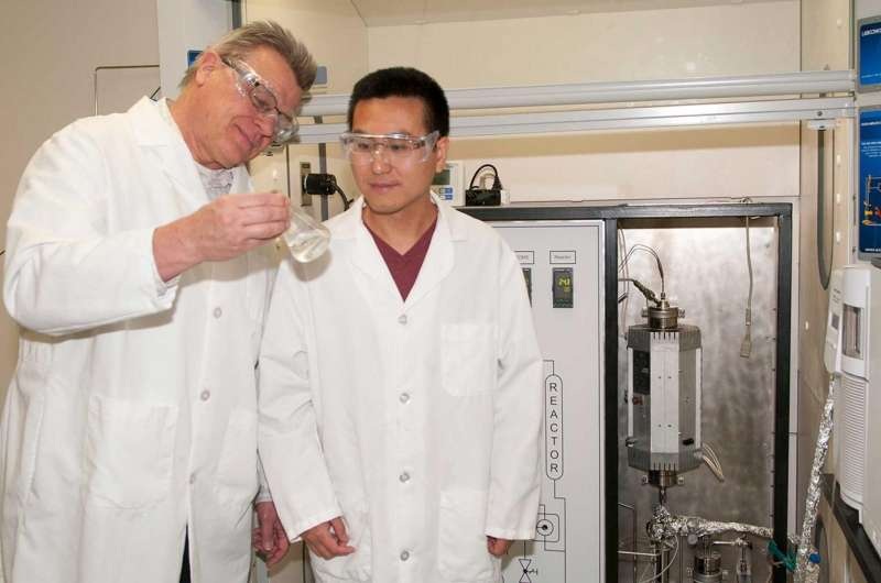 Novel method creates important industrial chemicals simply, cheaply