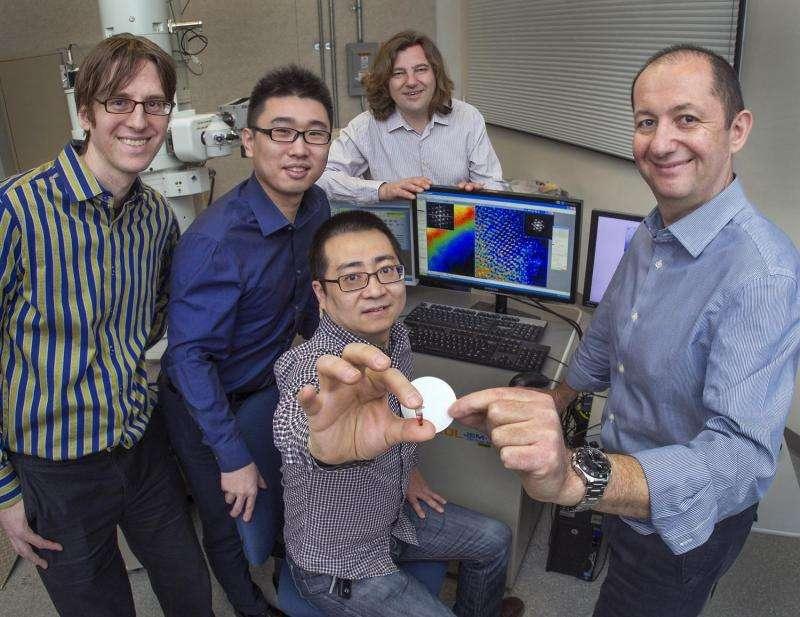 Scientists guide gold nanoparticles to form 'diamond' superlattices