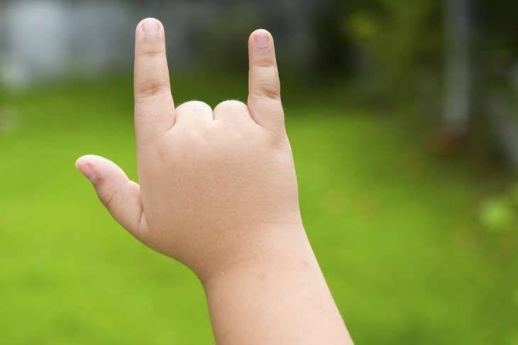 Sign language may be helpful for children with rare speech disorder