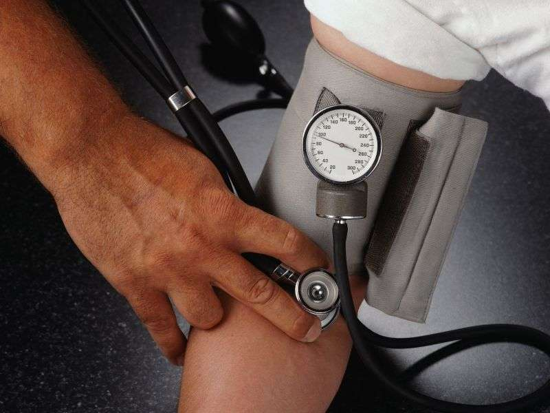 Skipping meds greatly ups heart patients' risk of stroke: study