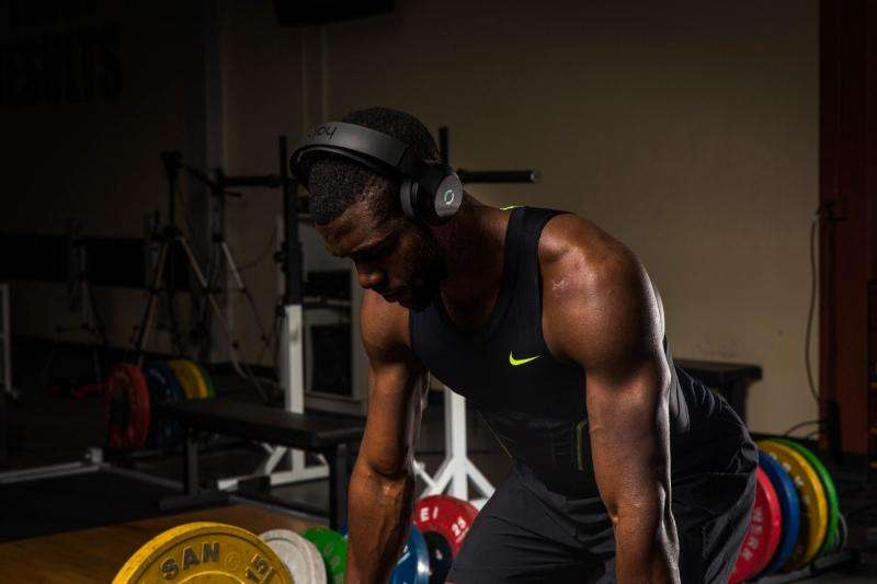 Smooth jumps from athletes integrating headphones with training
