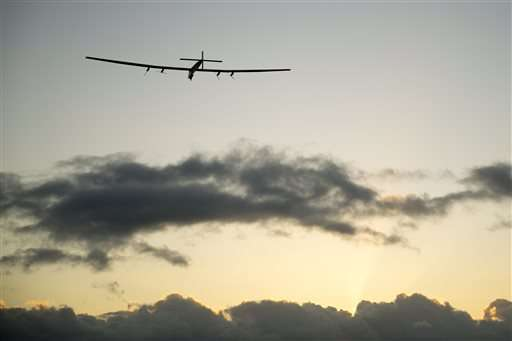 Solar plane's Pacific crossing going smoothly