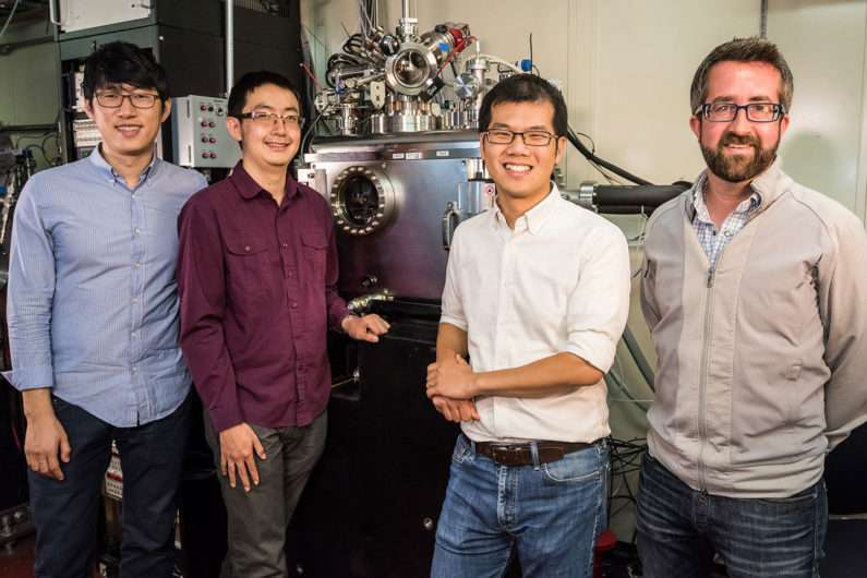 Stanford-led team reveals nanoscale secrets of rechargeable batteries