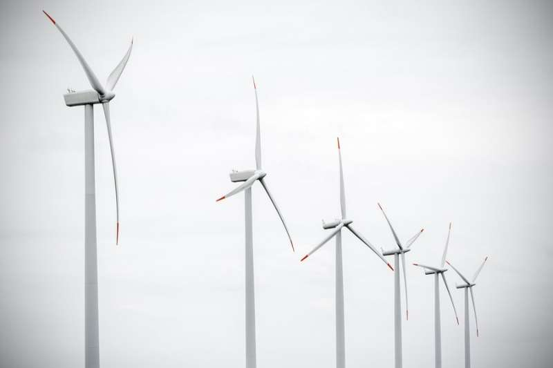 Study shows it is possible to save money and reduce carbon dioxide emission by using more energy