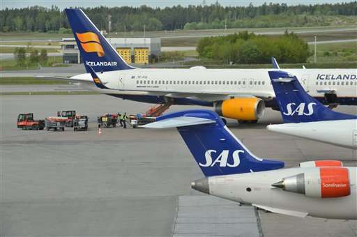 """""""Technical issue"""" briefly cripples Swedish air traffic"""