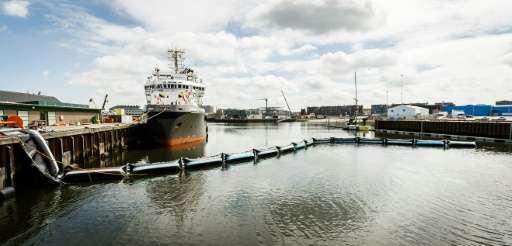 The prototype of The Ocean Cleanup projectin Scheveningen on June 22, 2016