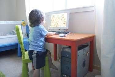 Two-minute warnings make kids' 'screen time' tantrums worse