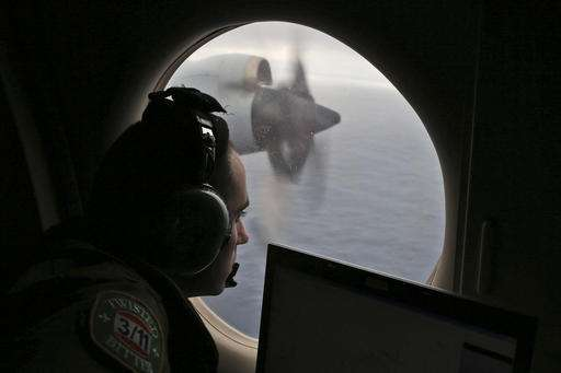 Underwater drone to investigate sonar contacts in MH370 hunt