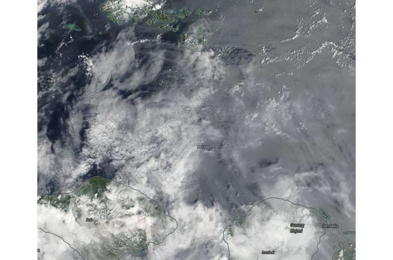 Image: NASA sees Mount Agung's ash cloud over the Bali Sea