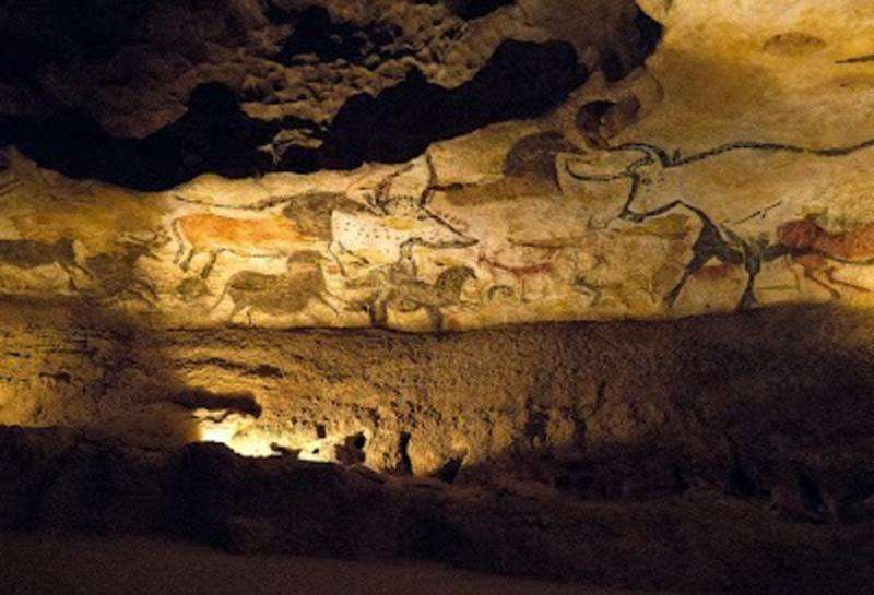Researchers build artificial cave to teach students about ancient art