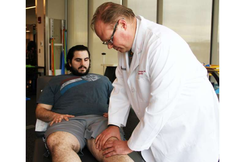 Study finds knee surgery holds even in heavier patients