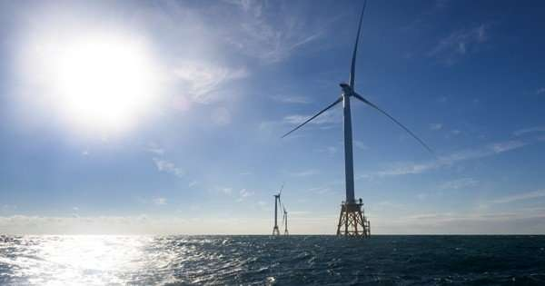 Research team determines that constructing offshore wind turbines in port is the most cost effective method