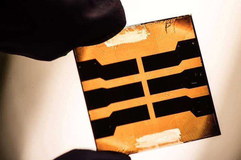 Researchers capture excess photon energy to produce solar fuels