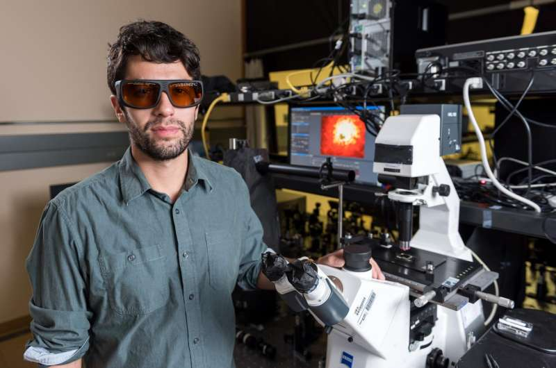 Chiral metamaterial produces record optical shift under incremental power modulation