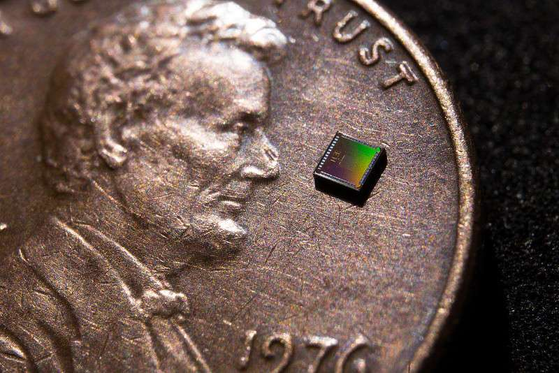 'Near-zero-power' temperature sensor could make wearables, smart home devices less power-hungry