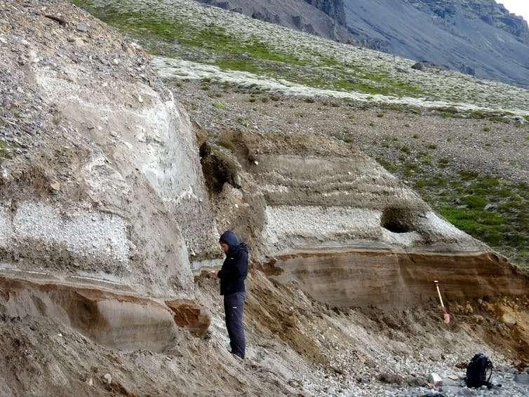 Is Iceland's tallest volcano awakening?