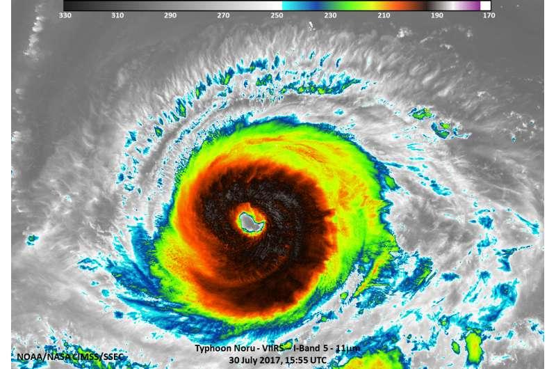 NASA-NOAA satellite sees Typhoon Noru in infrared light
