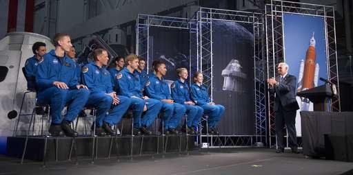 NASA picks 12 new astronauts from crush of applicants