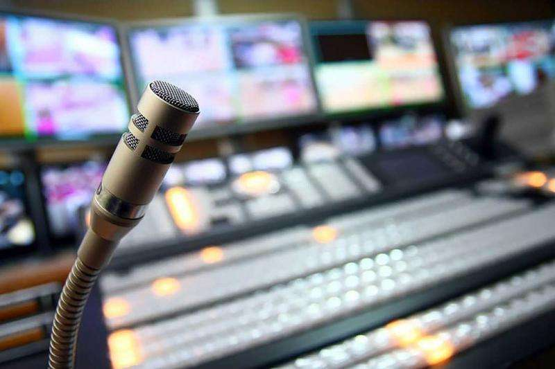 New study finds female journalists paid 26 per cent less