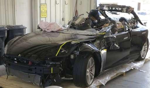 Tesla Autopilot was in use before car hit truck in fatal