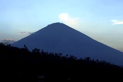 Bali volcano danger signs unabated week after high alert