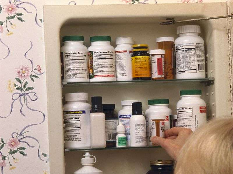 AMA urges doctors to talk about safe opioid storage, disposal