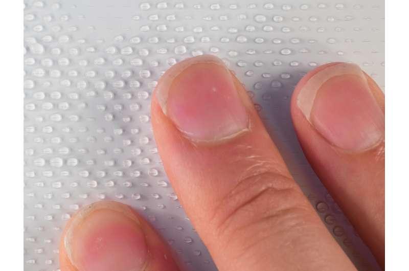 A novel textile material that keeps itself germ-free