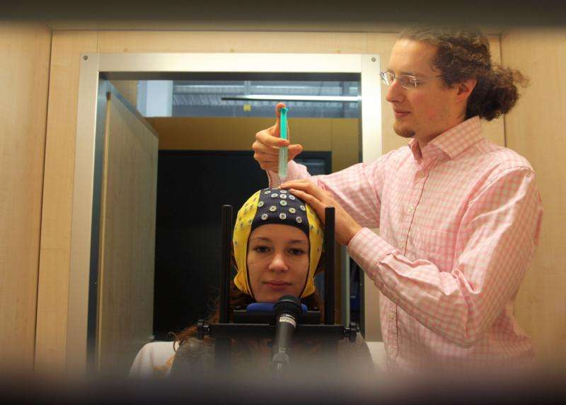 Artificial neural networks decode brain activity during performed and imagined movements