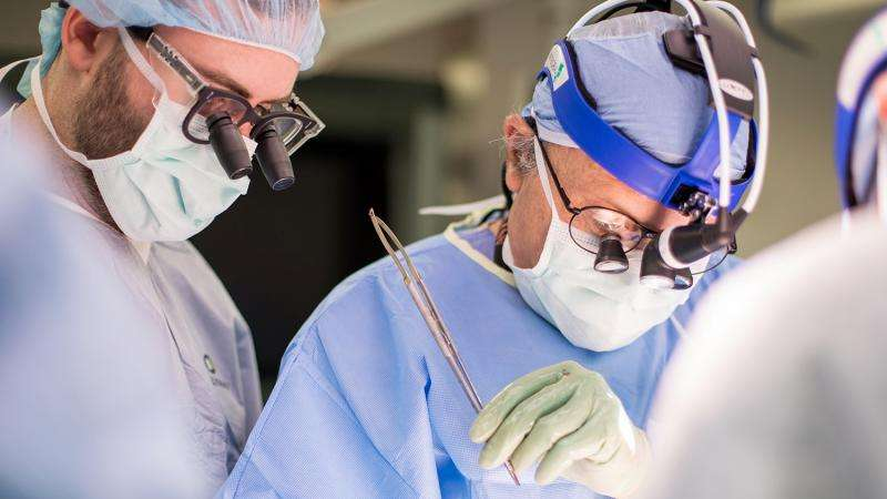 A surgeon's fight to legalize HIV-to-HIV organ transplants