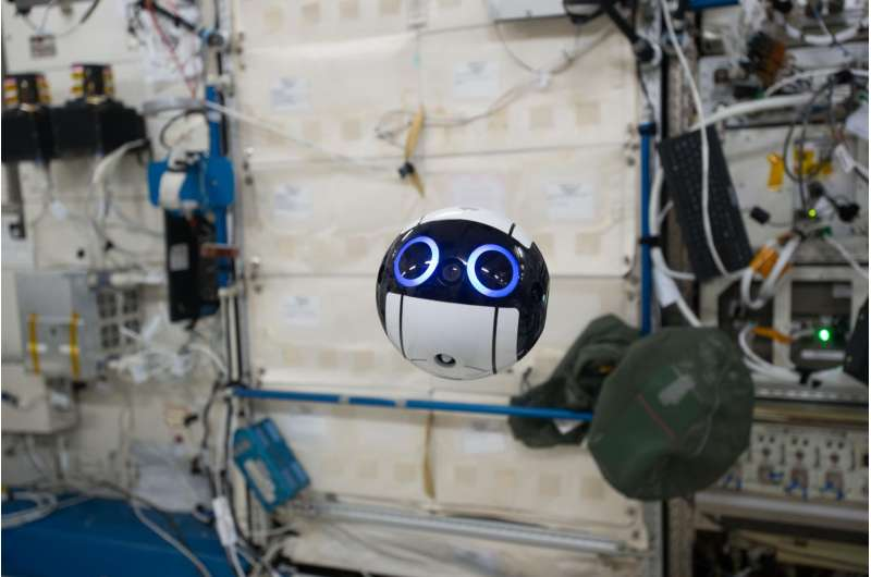 Camera drone for space station is ball of cuteness with cube-shaped brain