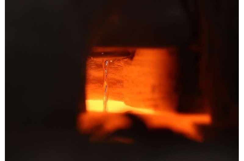 Ceramic pump moves molten metal at a record 1,400 degrees Celsius